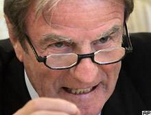 Bernard Kouchner: ABD Irak konusunda yalnız kaldı.13109