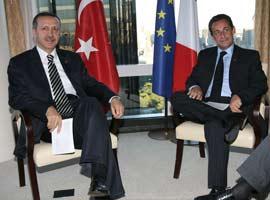 Sarkozy, Erdoğan'a teşekkür etti.11101