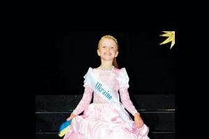 Olay dansöz kıyafetli çocuk yarışmasına jet soruşturma.5912