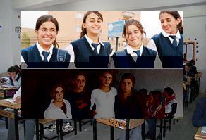 Hakkarili yaşı büyük kızlar okula başladı.13952