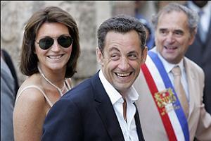 Sarkozy haberleri, gazete sattırıyor.13945