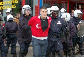 Londra'daki terör mitinginde 4 kişi gözaltına alındı.16536