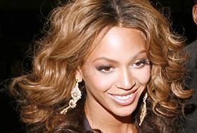 Dubl�r Beyonce'ye hayranlar�ndan tepki.13219