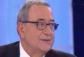 Yazar Mehmet Barlas'tan gazete patronlar�na ���t .8755