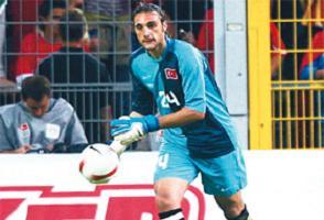 Beşiktaş'ın kalecisine meslektaşı sahip çıktı.14763
