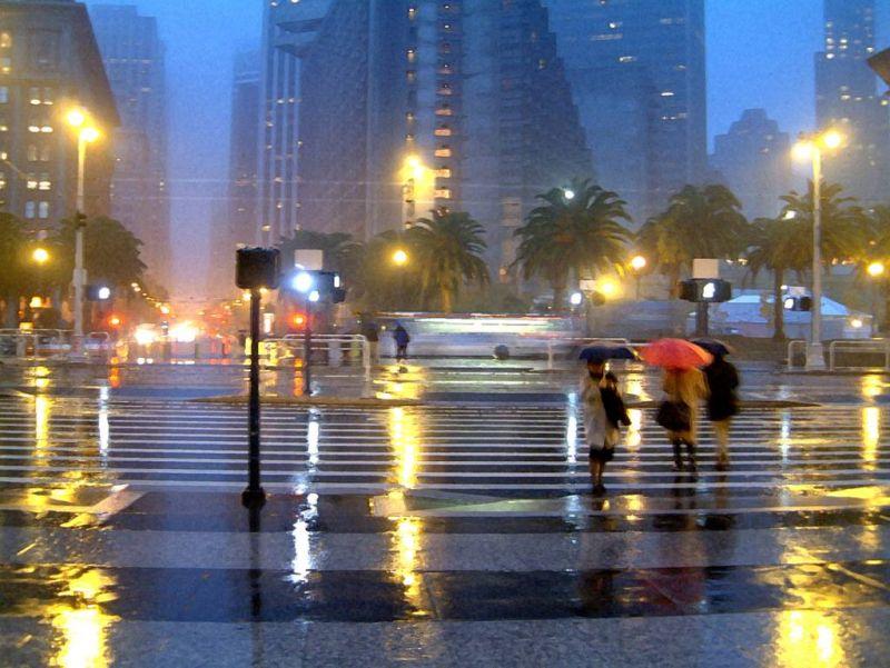 Adana'da aniden bastıran şiddetli yağış.99035