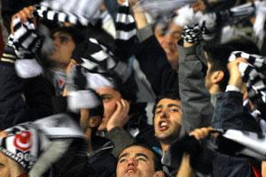 Beşiktaş ısrar etti ve aldı: 2-1.15338