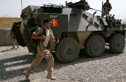 Afaganistan'da 2 NATO askeri öldürüldü .30373