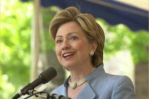 Pennsylvania'daki önseçimin galibi Clinton.12032