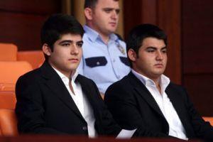 Gül'ün 16 yaşındaki oğlu Mehmet Emre şirket kurdu.9918