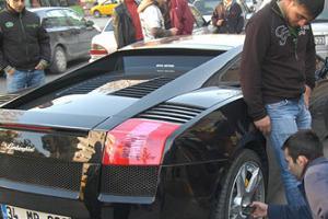 İşte Roberto Carlos'un spor arabası!.15199