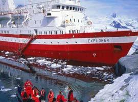 Dev gemi buzula çarptı .13799