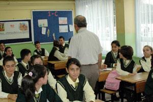 Sınır ötesinde Kürtçe ders başladı.14780