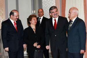 Cumhurbaşkanı Abdullah Gül'e 24 Kasım sürprizi.10705