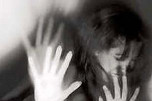 Öz ağabeyinin tecavüzüne uğradı.7146