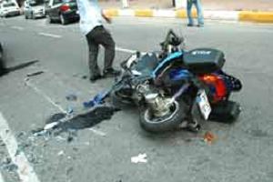 Kasksız motosiklet sürücüsü genç kazada öldü.11787