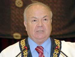 Eşi türbanlı denen rektör Prof. Dr. Fazıl Tekin  konuştu!.7004