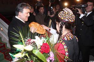 Cumhurbaşkanı Gül Türkmenistan'da 'enerji'yi görüşecek.17709