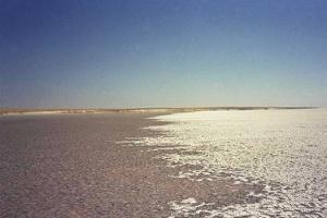 Tuz Gölü çöle dönüşüyor.9374