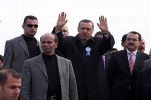 Erdoğan'ın katıldığı programda 2 gözaltı .9497