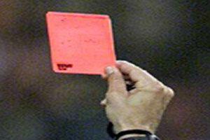 Futbolda kırmızı kart skandalı.9778