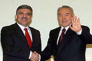 Gül, Kazakistan'da Türk işadamlarına 'lobi' yaptı.10987