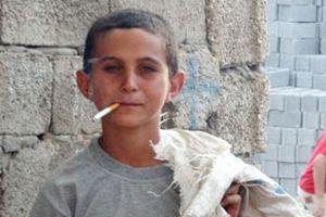 Sigara içen ebeveyn, çocuğuna sigarayı bıraktıramaz.14690
