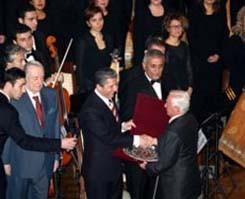 Nevzad Atlığ ve Yılmaz Öztuna'ya saygı konseri.10296