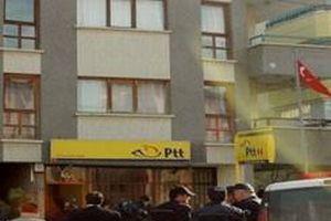 Maltepe'de bir PTT şubesi soyuldu.11576