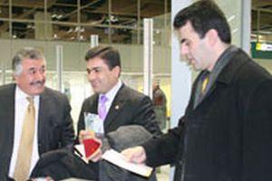 DTP lideri Demirtaş havalimanında gözaltına alındı.12500