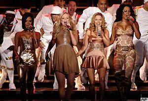 Spice Girls 10 yıl aradan sonra sahnede.20544