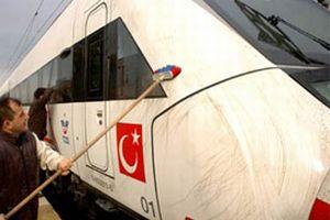 Türkiye'nin ilk hızlı treni test sürüşüne çıkamıyor.12929