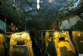 İstanbul'da yolcu otobüsünü ateşe verdiler.21265