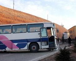 Hacıları taşıyan otobüs kaza yaptı.9963