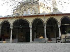 Kocaeli İzmit'te camiye yapılan iğrenç saldırı.14733