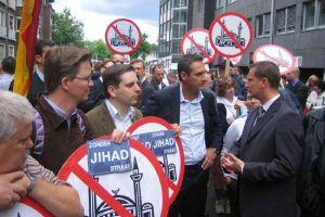 Almanya'da aşırı sağcı Camiye hayır partisi kuruluyor!.18757