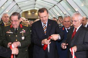 Erdoğan ve Büyükanıt AR-Ge binasının açılışını yaptı.14803