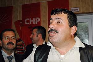 CHP'li üye bir AKP'de, bir CHP'de!.48178