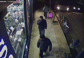Hırsız kaçarken kameraya böyle yakalandı.46007