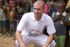 Zidane T�rkiye'ye geldi.14393