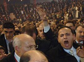 DP Kongresi'nde Adaylardan birisi tartaklandı.15500