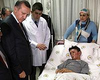 Başbakan'ın ilgisi saldırıda yaralananlara moral oluyor.14148