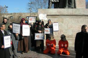Guantanamo askeri hapishanesi, Fatih'te protesto edildi.33662
