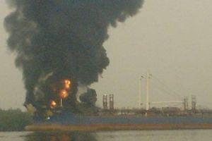 Karadeniz'de yanan tankerin ayr�nt�s�.6497