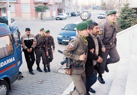 Simav'da cinayet zanlıları yakalandı.92380