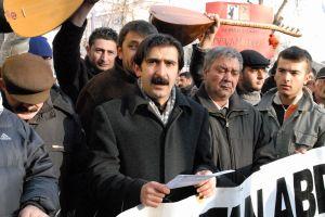Kayseri'de Alevi derneğinden AK Parti'ye tepki.36240