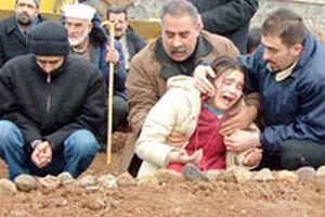 Merve, Diyarbakır'daki patlamada babasını kaybetti.16659