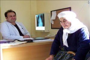 104 yaşında ilk kez doktora gitti.11095