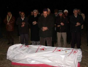 Terör kurbanı gözyaşları arasında toprağa verildi.24133