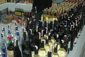 330 şişe sahte ve kaçak içki yakalandı.17443